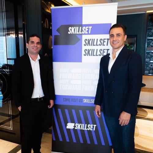מייסד Skillset נועם חכמון במעמד החתימה עם פאביו קנברו כוכב הכדורגל האיטלקי